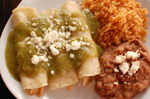 Enchiladas Verdes de Pollo (Authentic Mexican & Super Easy ...