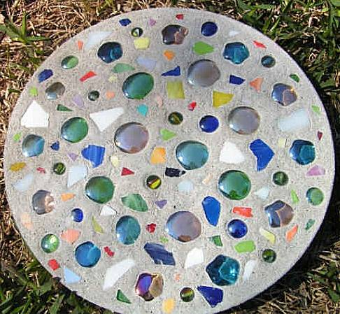 How to make stepping stones she roberta or so she says for Pinterest garden stones