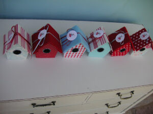 Birdhouse Treat Boxes ~ Perfect For A Birthday Party! (she: Leoni)