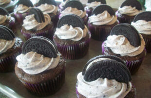 Death by Oreo Cupcakes (she: Jana & Kyla)