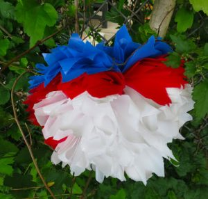 DIY Waterproof Pom-Poms for Outdoor Events (she: Trish)