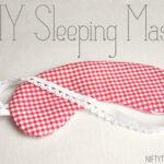 DIY Sleeping Mask (she: Vanessa)