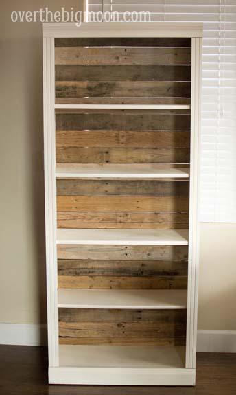 DSC 0060 Pallet Backed Bookshelf
