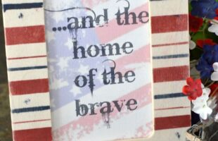Patriotic Painted Picture Frame {with a printable} (she: Jeanie)