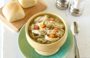 Slow Cooker Chicken Noodle Soup (she: Ruthie)