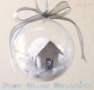 DIY Snow Globe Christmas Ornament (she: Jessica)