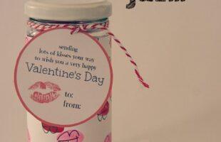 DIY Valentine in a jar with printable (she: Carmella)