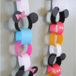 Disneyland Vacation Countdown Chain (she: Adelle)