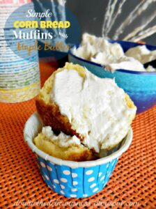 Simple Corn Bread Muffins with Maple Butter (she: Jana)