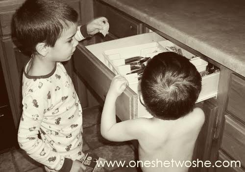 Valentine's Day Scavenger Hunt Tradition www.oneshetwoshe.com