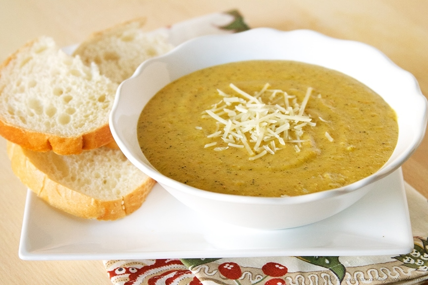 Panera Bread Broccoli Cheese Soup (copycat) www.orsoshesays.com #panerabread #broccolicheesesoup #recipe #copycatrecipe
