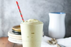 Matcha Shake … A Healthy but Delicious Dessert (she: Gina)