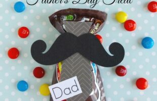 Easy Father's Day Treat {Mustache & Tie Edition} (she: Brooke)