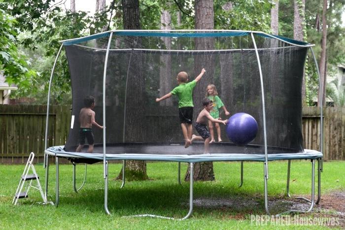 trampoline-water-park
