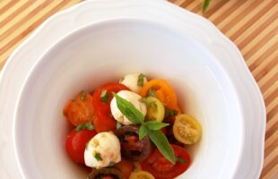 Heirloom Tomato Caprese Salad (she: Ruthie)