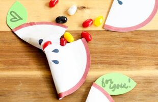 Apple Party Favor Pocket… A Free Printable (she: Anne)