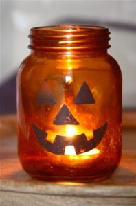 Easy Halloween Craft… Mason Jar Jack-O-Lanterns (she: Maria)