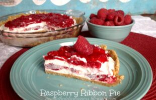 Raspberry Ribbon Pie & A Thanksgiving Pie Tradition (she: Jana)