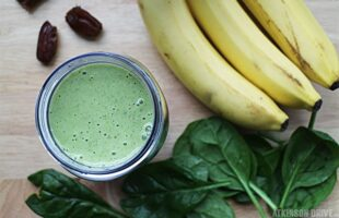Peanut Butter Banana Green Smoothie (she: Sam)