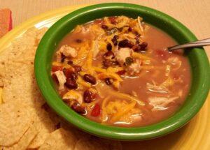 Easy Slow Cooker Santa Fe Chicken Soup (she: Victoria)