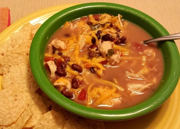 Easy Slow Cooker Santa Fe Chicken Soup (she: Victoria)