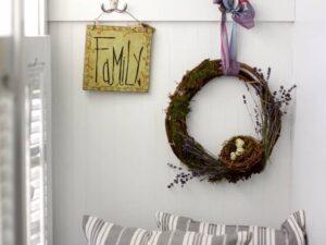 DIY Spring Wreath (she: Susan)