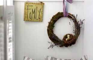DIY Spring Wreath (she: Susan)