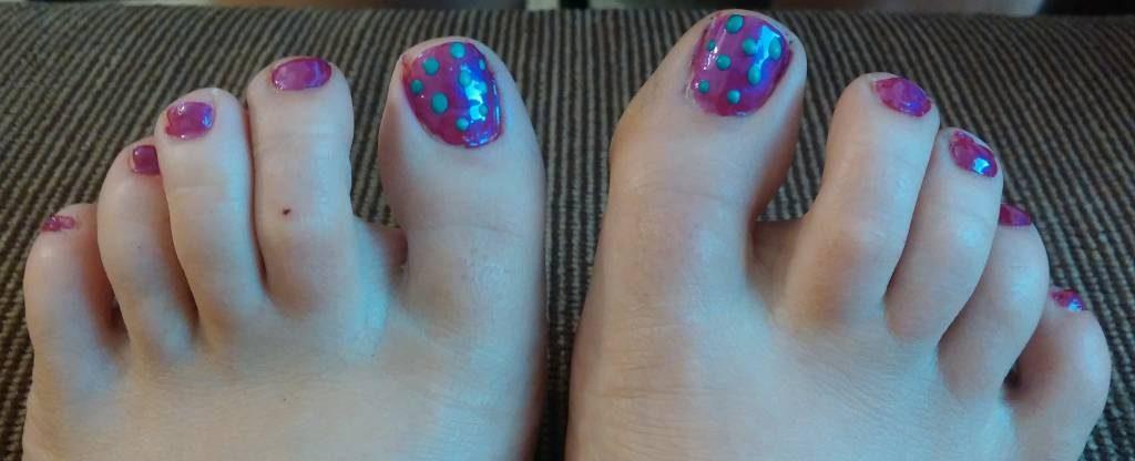 Dee toenails (2)