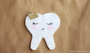 Tooth Fairy Ideas – Tooth Pocket Tutorial (she: Sierra)