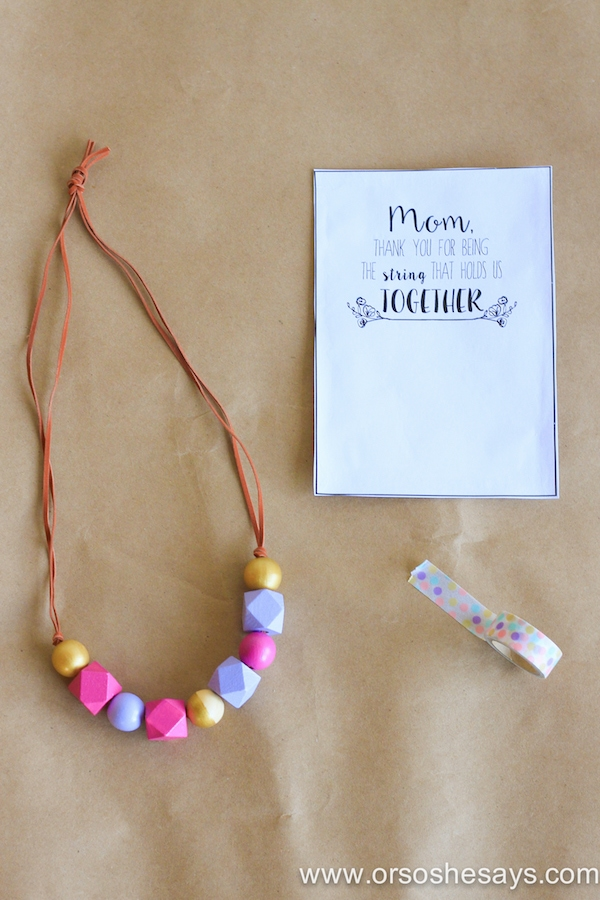 Create this simple and beautiful Mother's Day necklace for a meaningful gift! And don't forget the free printable!