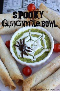 spooky-guacamole-bowl-4-leeshandlu-m