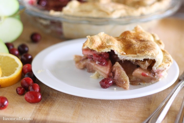 Cranberry apple pie from lizoncall.com