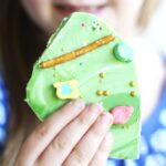 Get the kids to help make this leprechaun bark recipe to get ready for St. Patrick's Day.