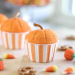Pumpkin cupcakes at lizoncall.com
