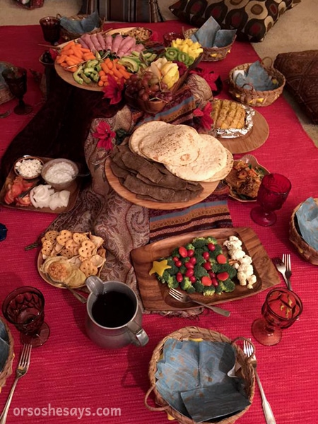 Feel the true Spirit of Christmas with a Shepherd's Dinner Family Night. Eat a simple meal and talk about the night of Christ's birth. #ShepherdsDinner #OSSS #FamilyNight #ChristmasTraditions #SpritofChristmas