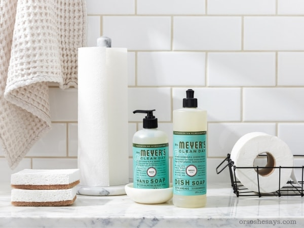 Switching products is a big deal, and you want to know that your new green home essentials will work as well as your old cleaning favorites! www.orsoshesays.com #GroveCollaborative #greenhomeessentials #greenclean #freebies