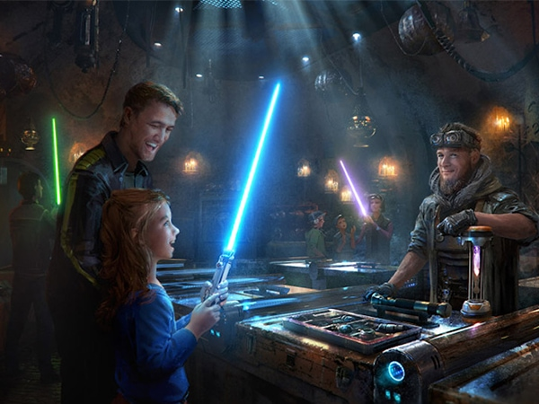 Star Wars: Galaxy's Edge is sure to be an out of this world experience, and today I'll let you know what you can expect on your visit to Disneyland after this new land opens in just a few weeks. www.orsoshesays.com #StarWars #GalaxysEdge #Disneyland
