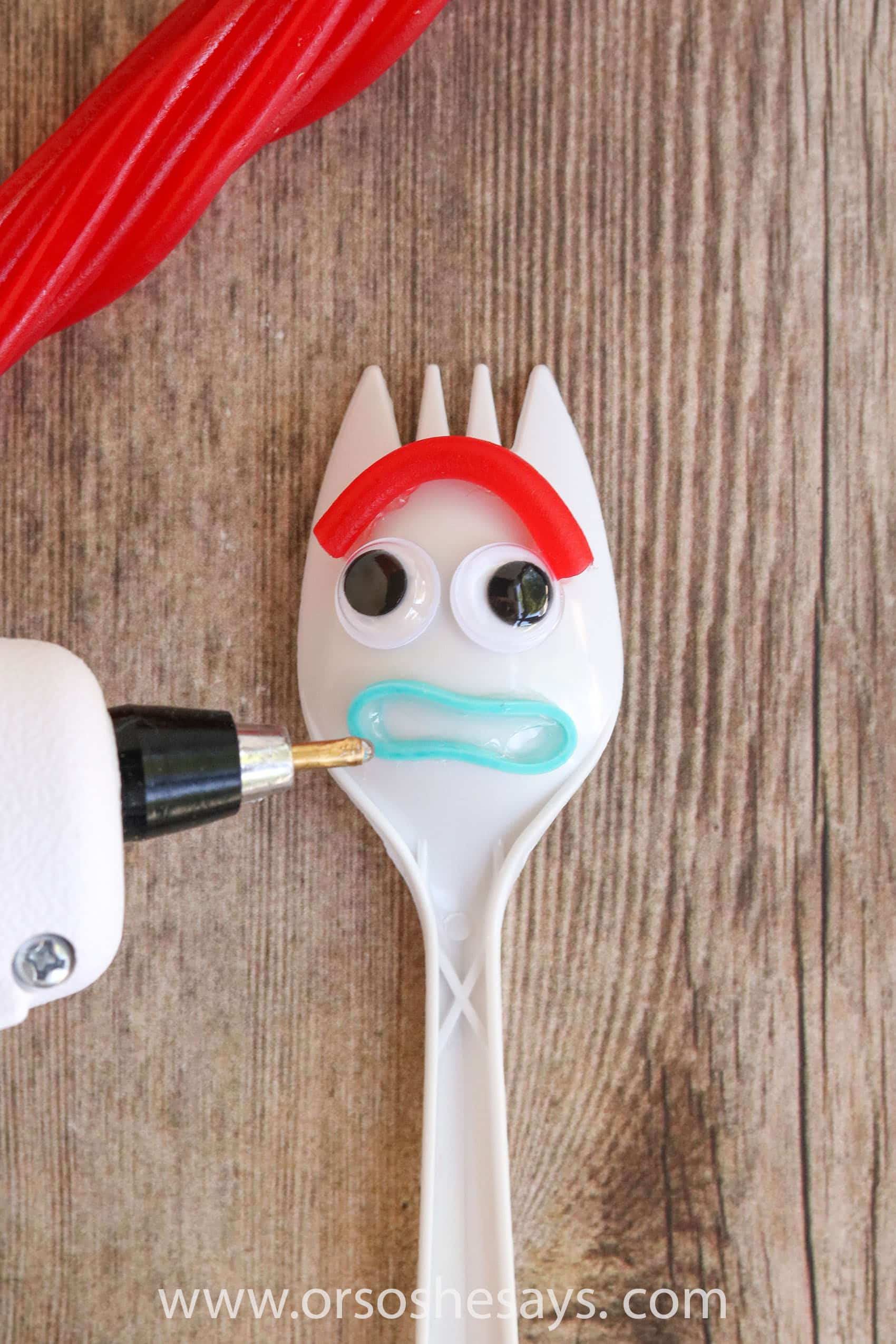 This DIY Forky from Toy Story 4 is so adorable! Perfect for a Toy Story birthday party activity or to make on a summer day. #toystory #toystory4 #forky #disney #disneyland